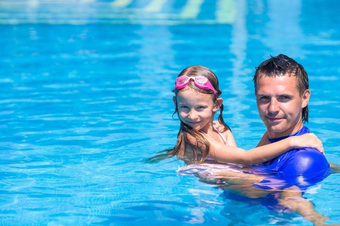 Protégez vos enfants des dangers de la piscine